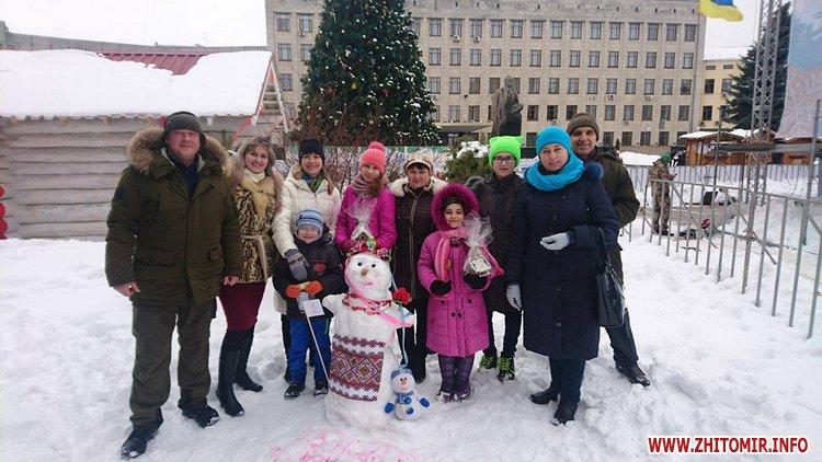 snigovichkii 1 - На майдані Корольова у Житомирі відбувся сімейний конкурс на кращого сніговика