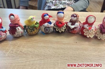 2017 01 15YD motanka 2 w440 h290 - В Українському домі у Житомирі вивчали таїнство виготовлення ляльок-мотанок