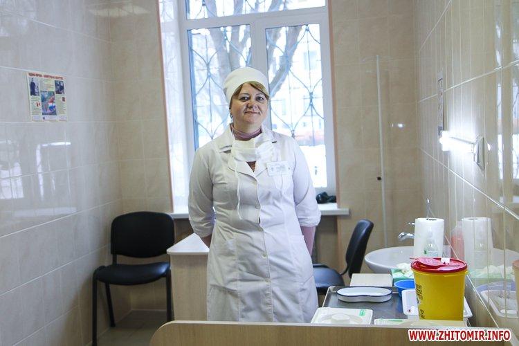 sypryn zhitomir 02 - У Житомирі чиновники показували Уляні Супрун та її заступнику амбулаторію і поліклініку. Фоторепортаж