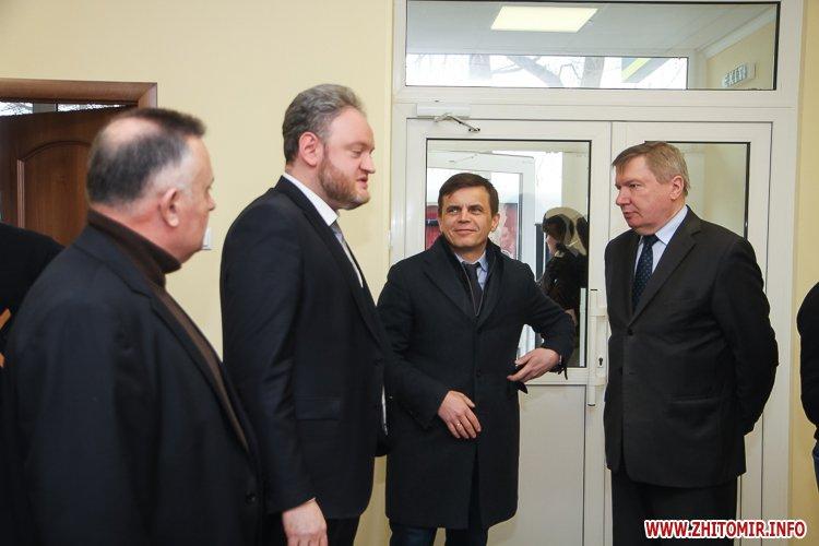 sypryn zhitomir 03 - У Житомирі чиновники показували Уляні Супрун та її заступнику амбулаторію і поліклініку. Фоторепортаж