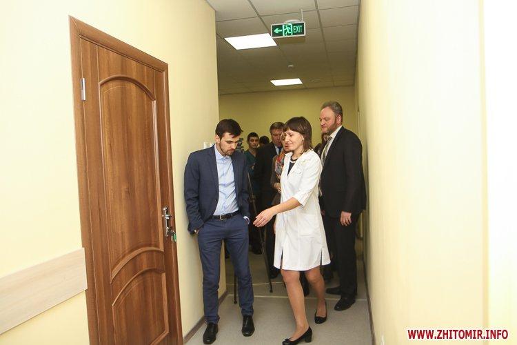 sypryn zhitomir 04 - У Житомирі чиновники показували Уляні Супрун та її заступнику амбулаторію і поліклініку. Фоторепортаж
