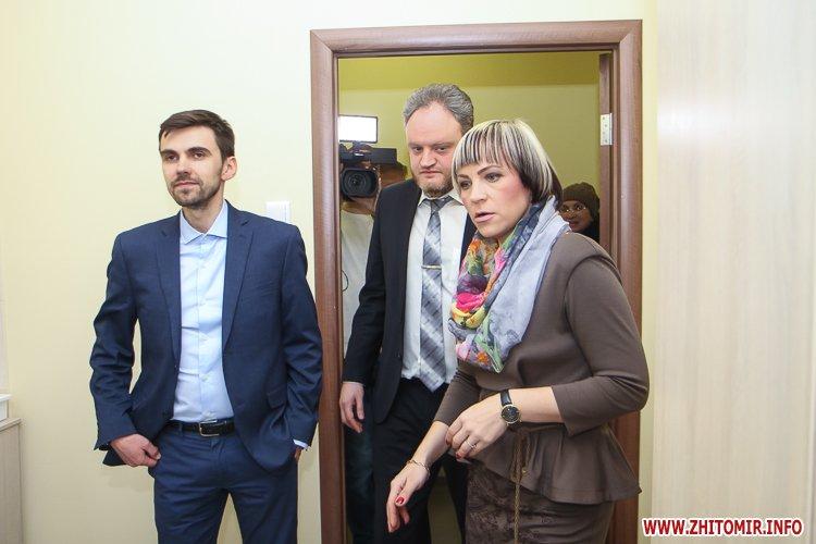 sypryn zhitomir 06 - У Житомирі чиновники показували Уляні Супрун та її заступнику амбулаторію і поліклініку. Фоторепортаж