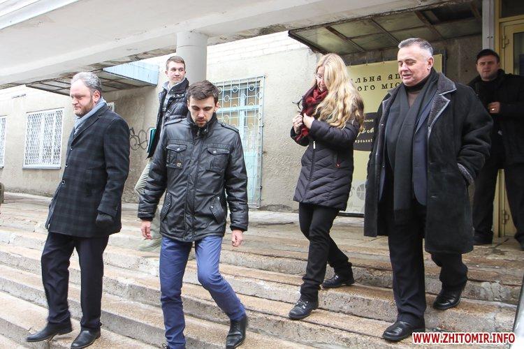 sypryn zhitomir 16 - У Житомирі чиновники показували Уляні Супрун та її заступнику амбулаторію і поліклініку. Фоторепортаж