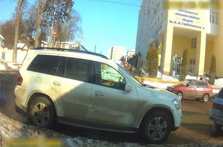 2017 01 24pArcu 1 w440 h290 - Житомирські копи склали протокол на водія авто, яке перекрило проїзд до шпиталю