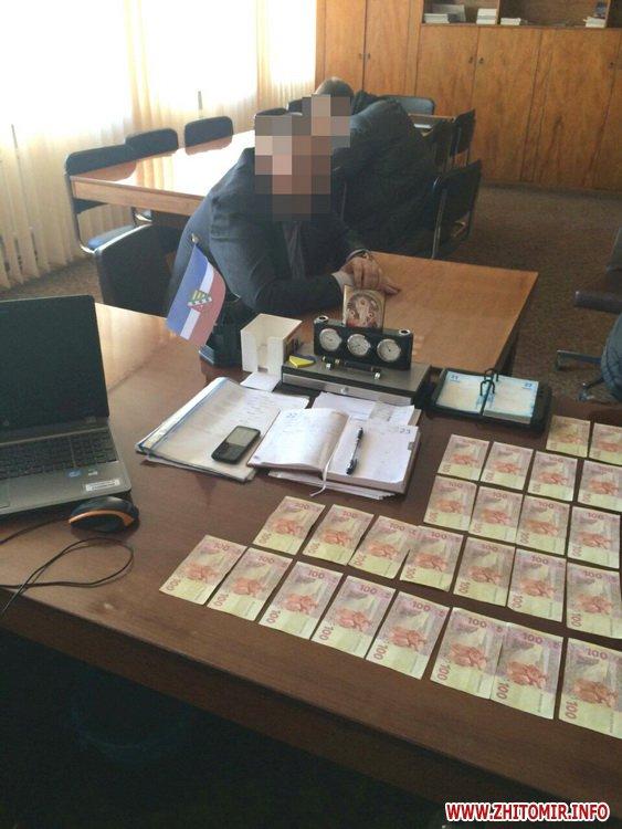 mabHad 1 - У Житомирській області затримали чергового хабарника – голову РДА