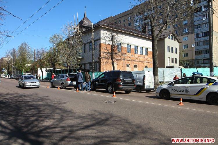 DTP boleyko 02 - На Великій Бердичівській у Житомирі не розминулися дві автівки