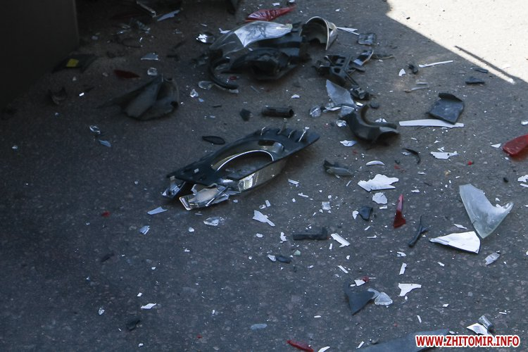 DTP boleyko 07 - На Великій Бердичівській у Житомирі не розминулися дві автівки