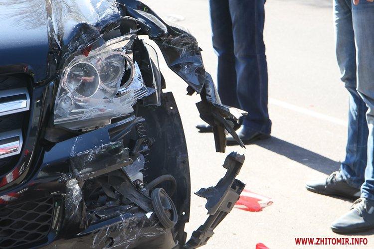 DTP boleyko 08 - На Великій Бердичівській у Житомирі не розминулися дві автівки