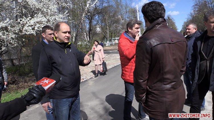 AnTipov pol 6 - Радник мера Житомира перевірив, як прибрали Польову від будівельного сміття, і пообіцяв повернутися ще