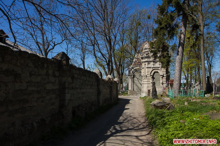 rys kladbize 09 - Руське кладовище у Житомирі перед поминальними днями. Фоторепортаж