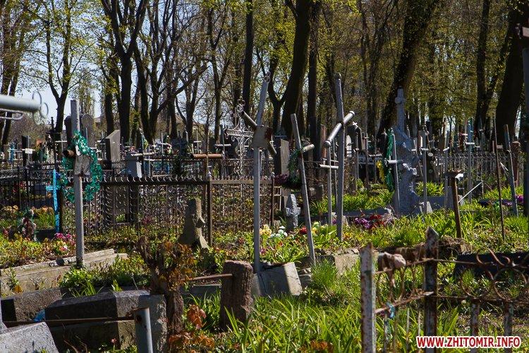 rys kladbize 20 - Руське кладовище у Житомирі перед поминальними днями. Фоторепортаж
