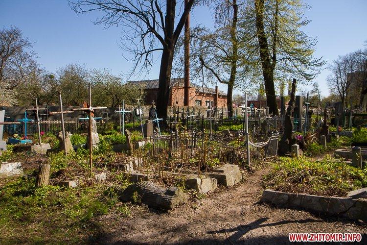 rys kladbize 32 - Руське кладовище у Житомирі перед поминальними днями. Фоторепортаж