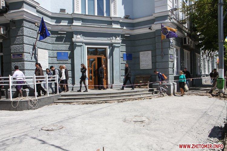20170515 myhaylivska remont 10 - Житомирську Михайлівську ремонтують одночасно з двох кінців. Фоторепортаж