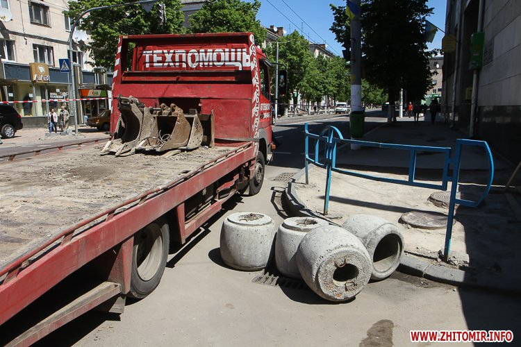 20170515 myhaylivska remont 23 - Житомирську Михайлівську ремонтують одночасно з двох кінців. Фоторепортаж