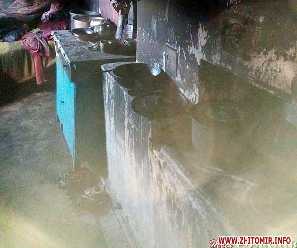 bcasIZ 6 - У селі Житомирської області вигорів будинок – без даху над головою залишилися жінка з дітьми