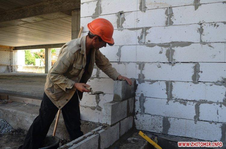BYDivn 1 - Мер Житомира подивився, якими темпами рухається будівництво гімназії №3 та дитсадка на Крошні