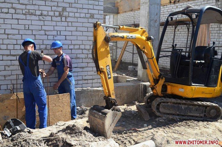 BYDivn 3 - Мер Житомира подивився, якими темпами рухається будівництво гімназії №3 та дитсадка на Крошні