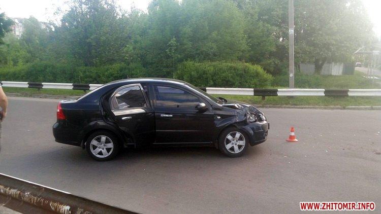 edeniChka 1 - Ще одна ДТП в Житомирі: на т-подібному перехресті не розминулися маршрутка й Chevrolet