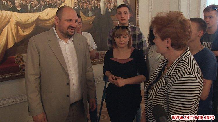 vTope 6 - Борислав Розенблат влаштував вихованцям житомирського училища-інтернату поїздку до Верховної Ради
