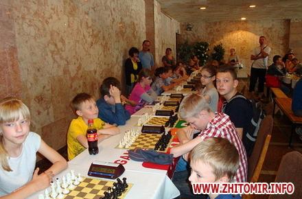2017 06 19chaHy 1 w440 h290 - У Черняхові відбувся XV-й меморіал з шахів пам'яті Миколи Кондратюка