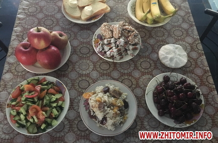 2017 06 2700azerbajdzanZ 4 w440 h290 - Азербайджанська діаспора влаштувала святковий обід в домі престарілих