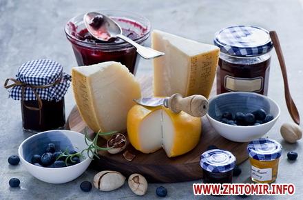 2017 07 13404683 svetik w440 h290 - Улюблений сир стає ще ближчим завдяки мережі магазинів «Сирне королівство»