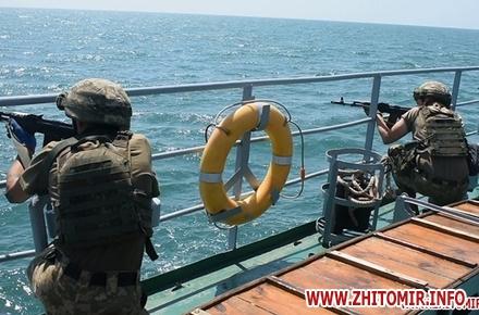 2017 07 1820170718 vdvtraining 16 w440 h290 - Житомирські десантники взяли участь у масштабних навчаннях частин ВДВ, які відбувалися у повітрі, на морі та на суші