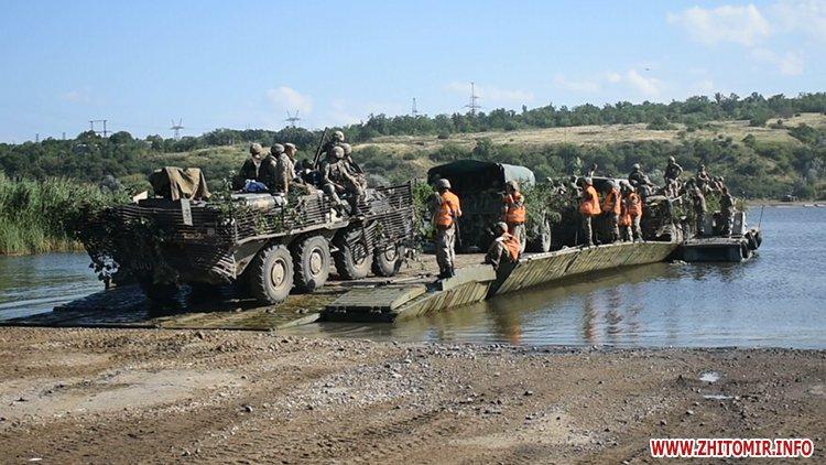 20170718 vdvtraining 10 - Житомирські десантники взяли участь у масштабних навчаннях частин ВДВ, які відбувалися у повітрі, на морі та на суші
