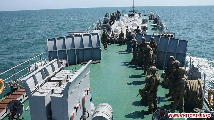 20170718 vdvtraining 15 - Житомирські десантники взяли участь у масштабних навчаннях частин ВДВ, які відбувалися у повітрі, на морі та на суші