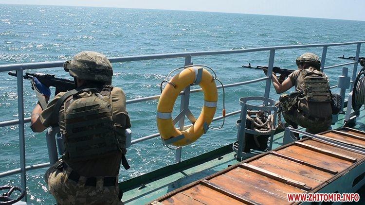 20170718 vdvtraining 16 - Житомирські десантники взяли участь у масштабних навчаннях частин ВДВ, які відбувалися у повітрі, на морі та на суші