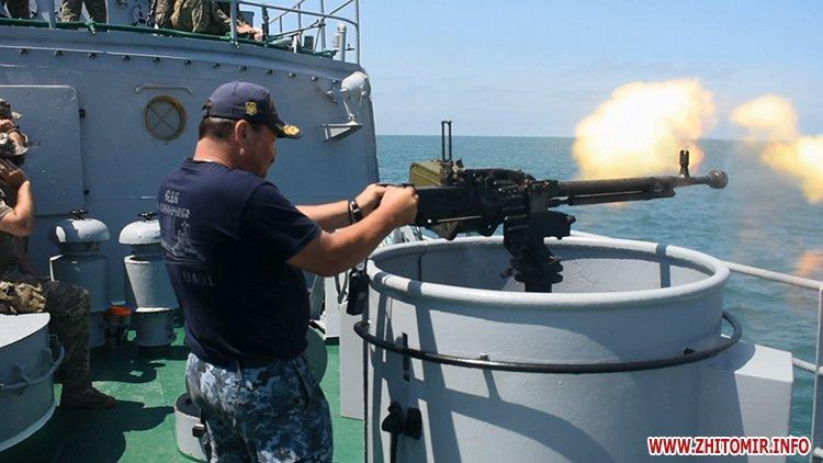 20170718 vdvtraining 17 - Житомирські десантники взяли участь у масштабних навчаннях частин ВДВ, які відбувалися у повітрі, на морі та на суші