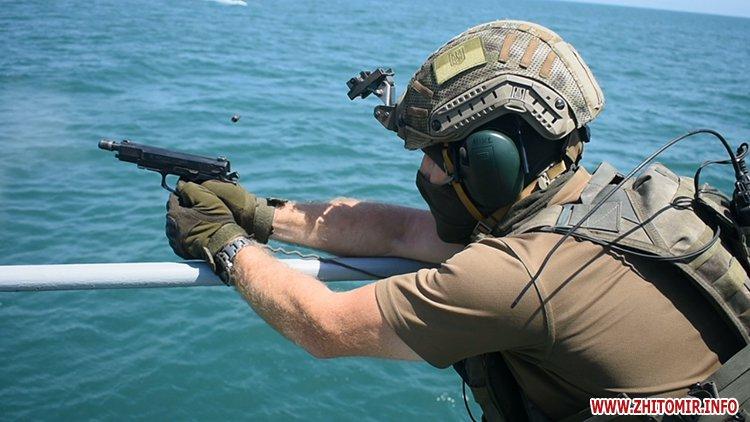 20170718 vdvtraining 18 - Житомирські десантники взяли участь у масштабних навчаннях частин ВДВ, які відбувалися у повітрі, на морі та на суші