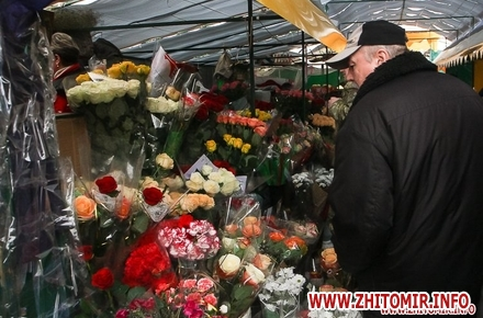 2017 07 1820170307 flowerszt 24 w440 h290 - На ринку «Хмільники» у Житомирі хочуть розмістити сім сучасних ларьків, у яких продаватимуть живі квіти
