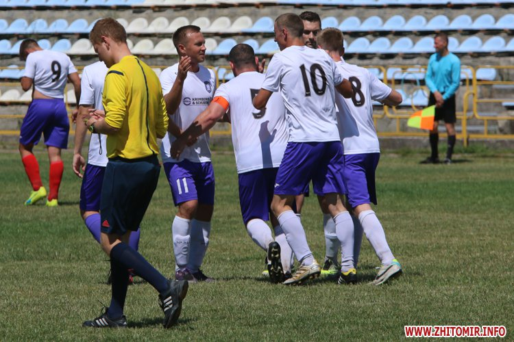 Levu kroshy 02 - «Леви-Крошу» розгромили «Хімік» в чемпіонаті Житомирського району з футболу