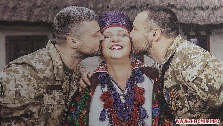 20170708 ifnotforthewar 07 - Фотовиставка про учасників АТО «Якби не війна» відкрилась у житомирському Домі української культури