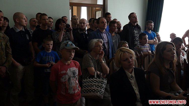 20170708 ifnotforthewar 13 - Фотовиставка про учасників АТО «Якби не війна» відкрилась у житомирському Домі української культури