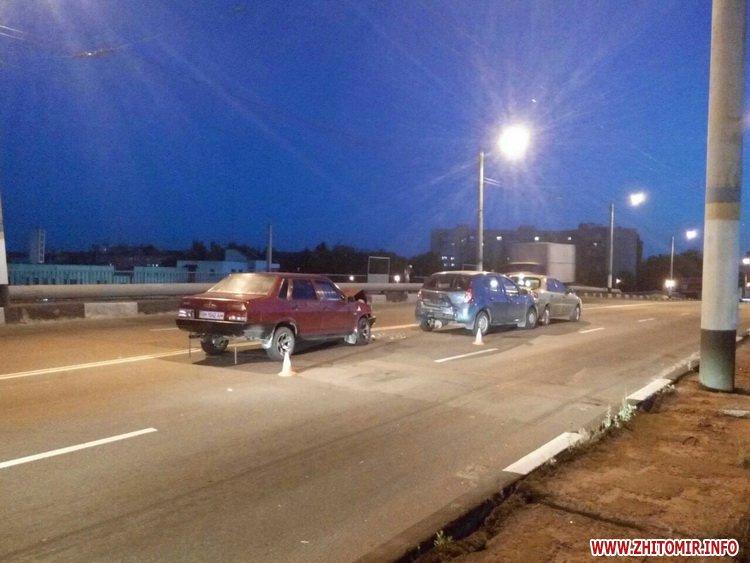 zghEWr 3 - На мосту біля житомирського автовокзалу сталася подвійна ДТП, є потерпілий