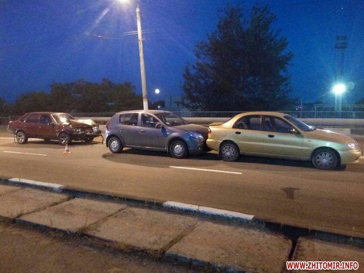 zghEWr 4 - На мосту біля житомирського автовокзалу сталася подвійна ДТП, є потерпілий