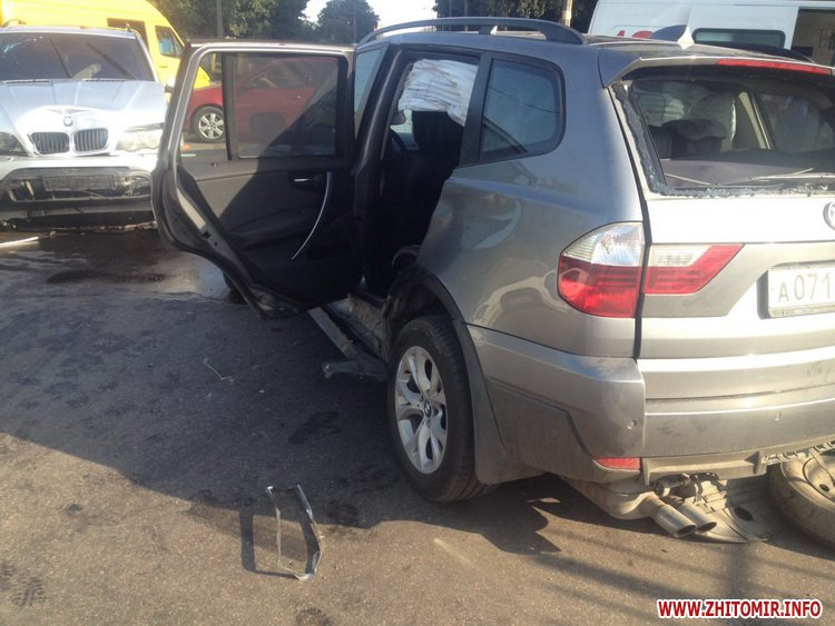 naDon 3 - Два BMW не поділили перехрестя в Житомирі, постраждала 12-річна дівчинка