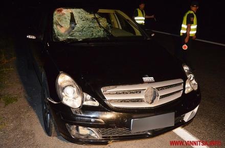 2017 08 18masina avaria 0002 w440 h290 - На Вінниччині Mercedes насмерть збив пішохода з Бердичева