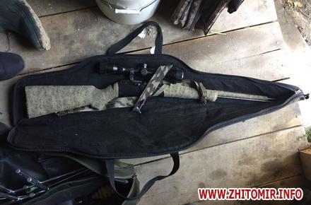 2017 08 21boePrt 4 w440 h290 - Поліція обшукала мисливський будинок у передмісті Житомира, знайшла зброю та боєприпаси