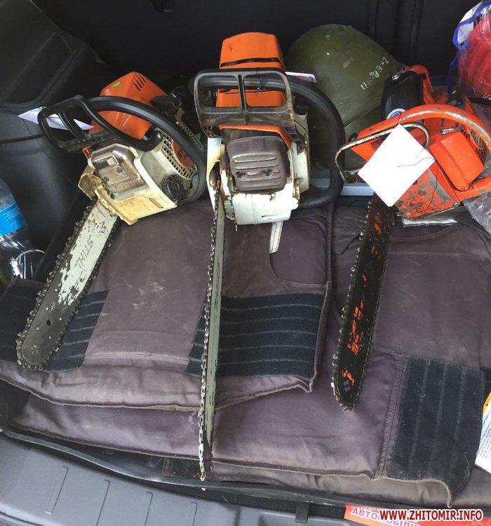 boePrt 1 - Поліція обшукала мисливський будинок у передмісті Житомира, знайшла зброю та боєприпаси