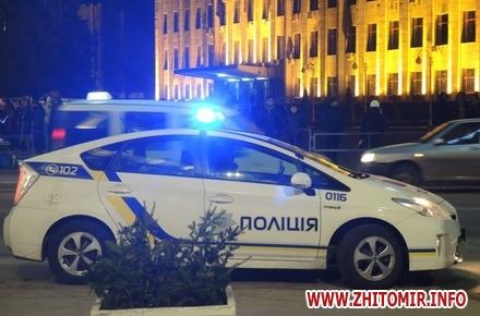 2017 08 2200elka2017 05 w440 h290 - Житомирського патрульного будуть судити за зламану ногу під час новорічного святкування