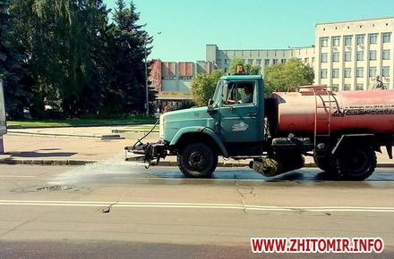 2017 08 03poviv vyl w440 h290 - Директор КП «УАШ» розповів, скільки води в спеку йде на зрошення житомирських вулиць