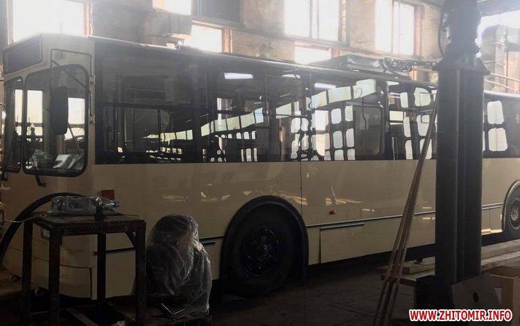20170515 troleibus2 - Житомирське ТТУ випустило на лінію оновлений тролейбус вартістю близько мільйона гривень