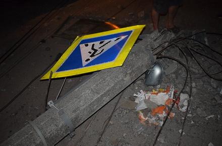 2017 08 09mio L w440 h290 - У райцентрі Житомирської області Volkswagen в'їхав у стовп, травмувалася 16-річна пасажирка