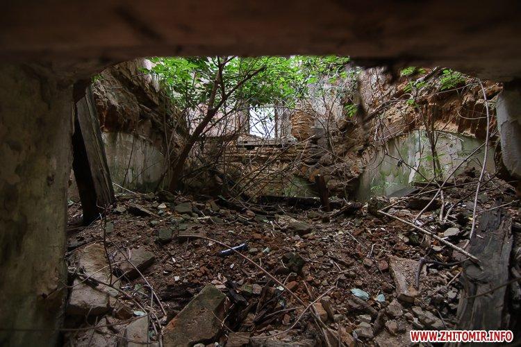ryini 2109 21 - Аварійна «законсервована» пам'ятка архітектури в центрі Житомира. Фоторепортаж