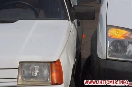 2017 09 22dtp koroyova 1 w440 h290 - На вулиці Короленка у Житомирі зіштовхнулися два автомобілі