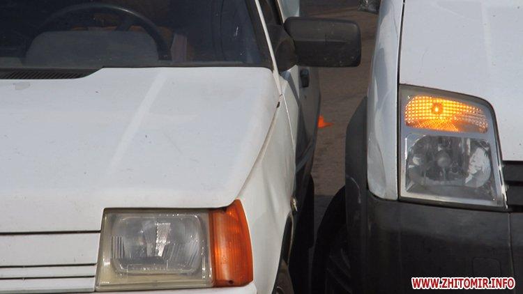 dtp koroyova 1 - На вулиці Короленка у Житомирі зіштовхнулися два автомобілі