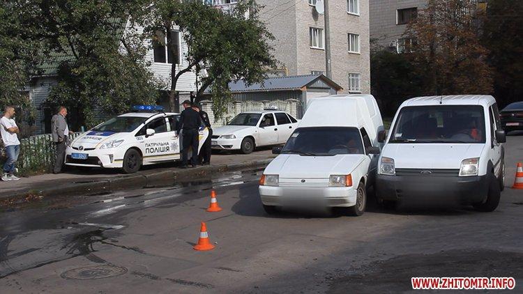 dtp koroyova 2 - На вулиці Короленка у Житомирі зіштовхнулися два автомобілі